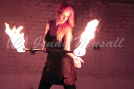 Freaky Feuer Fighters (2)