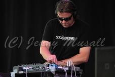 Absolute Body Control: Eric Van Wonterghem (Synthesizer) auf dem Blackfield Festival in Gelsenkirchen am 12.6.2015
