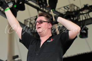 Spetsnaz: Stefan Nilsson (Schlagzeug) auf dem Blackfield Festival in Gelsenkirchen am 12.6.2015