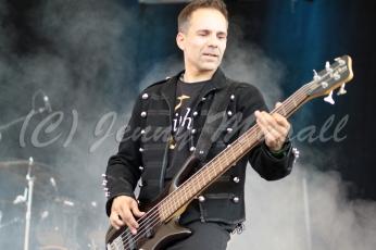Xiphea: Rene (Bass) auf dem Blackfield Festival in Gelsenkirchen am 12.6.2015