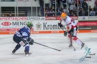 Iserlohn Roosters gegen Fischtown Pinguins Bremerhaven am 21.12 2018 in der Eissporthalle Seilersee in Iserlohn